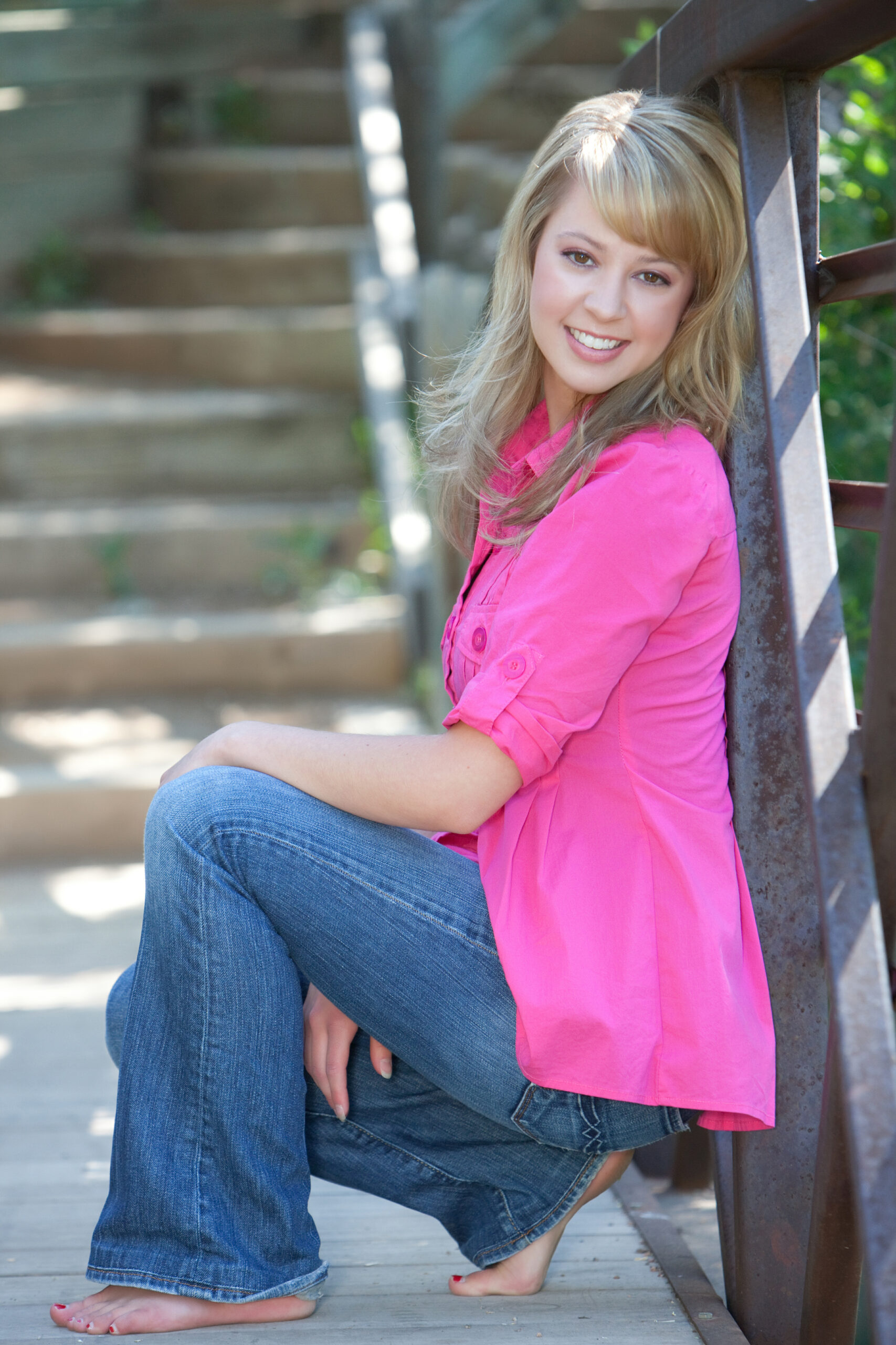 outside senior girl Headshot